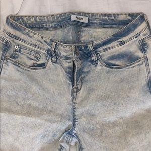 Kensie Light Wash Jeans